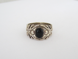Vintage Mexican Sterling Silver Black Oynx Ring Size 5.75 - $15.00