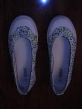 American  Eagle    8 M    * Hepburn * Multicolor Small Flowers   Flat Heel    - $8.99