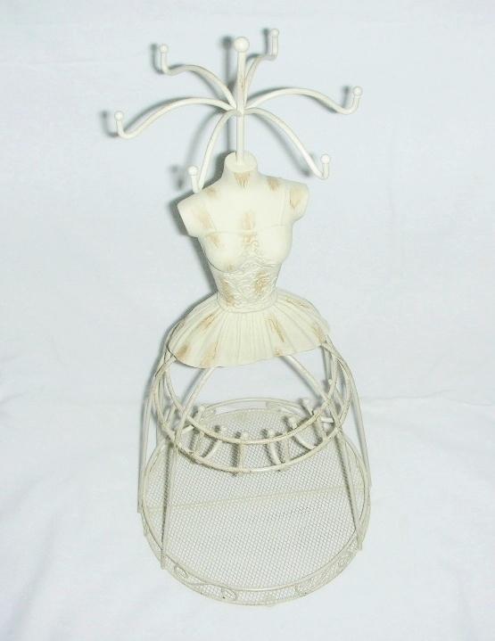 Jewelry mannequin ecru shabby chic  9