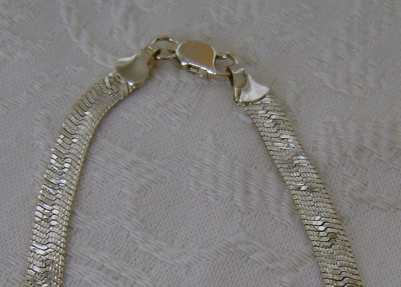 "Necklace, Goldtone Chain Says ""I Love You"""