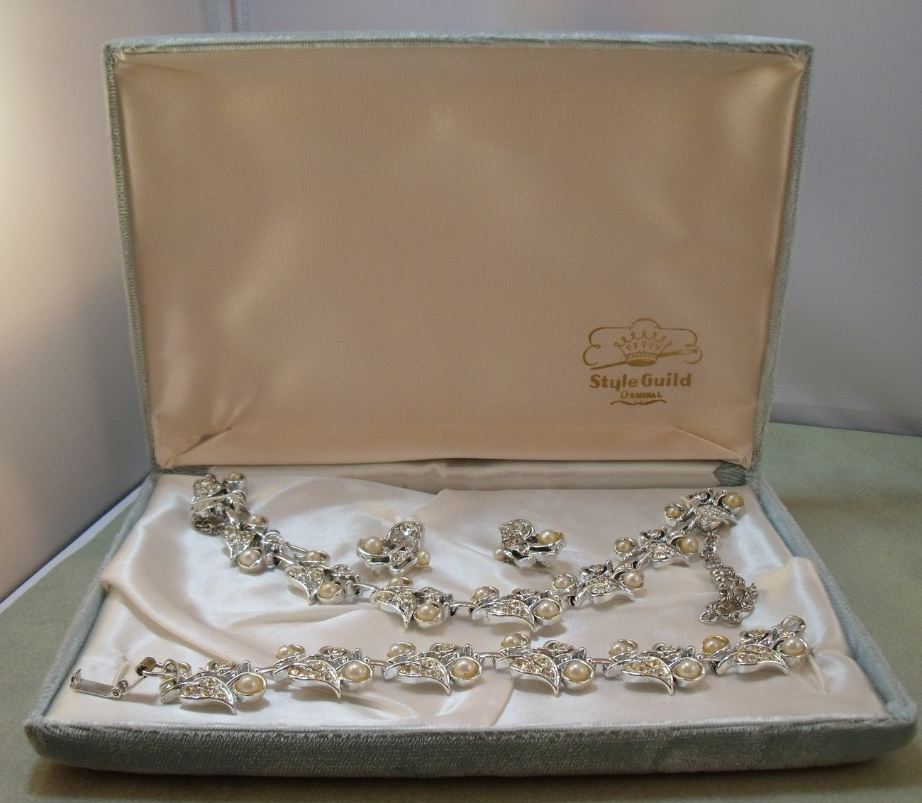 Vintage Style Guild simulated pearl and rhinestone parure in original box