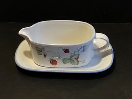 Savoir Vivre gravy boat with plate Oven to table Dishwasher safe microwa... - $12.56