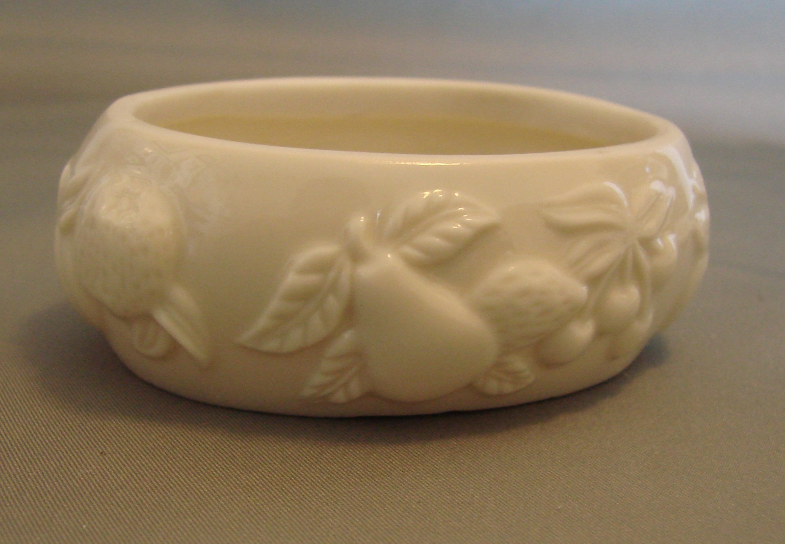 Lenox Oval Trinket Box (Cream Color with Fruit Design)