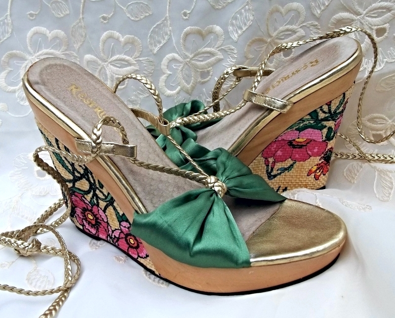 7M Floral Butterfly Gold Braided Lace-Up Raffia Wedge Shoes Wood Heels