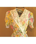 Free + shipping. Vintage 1980's dress w/ lace collar. Belted, colorful, ... - $0.00