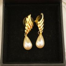 Vintage Ivory Glass Pearl Drop Bridal Earrings Bridesmaid Pearl Drop Pie... - $28.00