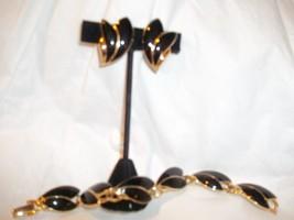 Vintage 1980s TRIFARI Black Enamel Goldtone Leaf Bracelet Clip on Earrin... - $34.64