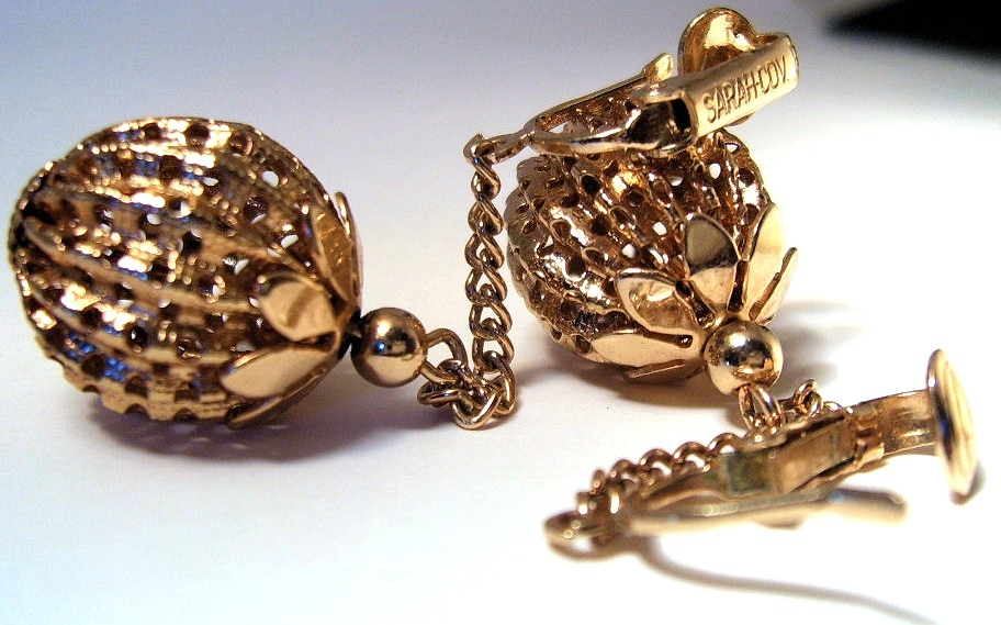 Earrings Vintage Retro Sarah Coventry Saucy Swingers 1968 Gold Ball Chain Drop