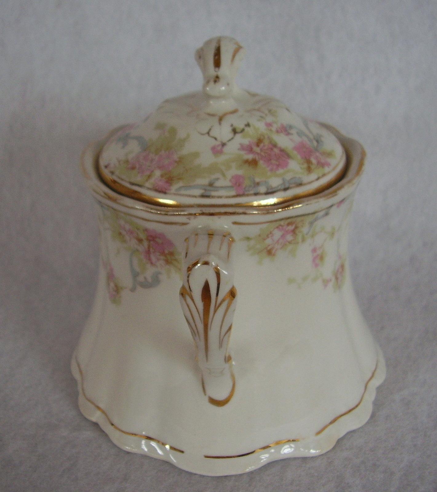 Homer Laughlin Hudson Small Pink Roses Covered Sugar Bowl