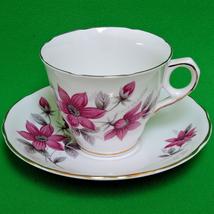 Beautiful Royal Kent (England) Bone China Teacup And Saucer Set - $5.95