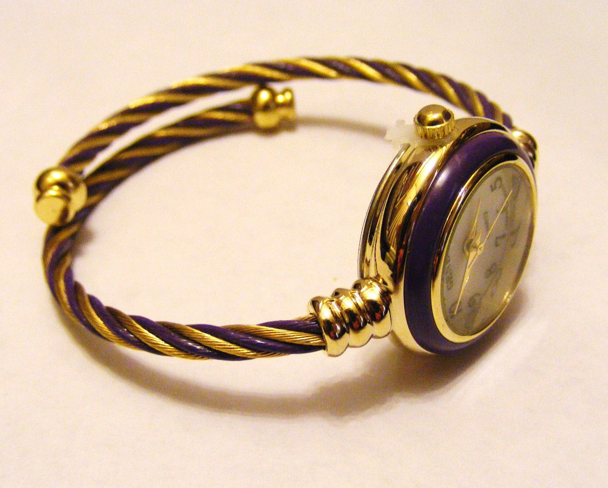 GENEVA  PURPLE AND GOLD TWISTED CABLE WIRE WRAP WHITE FACE BAND WRISTWATCH