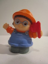 Mattel 2002 Fisher Price Little People Construction Worker w/Hard Hat  - $5.93