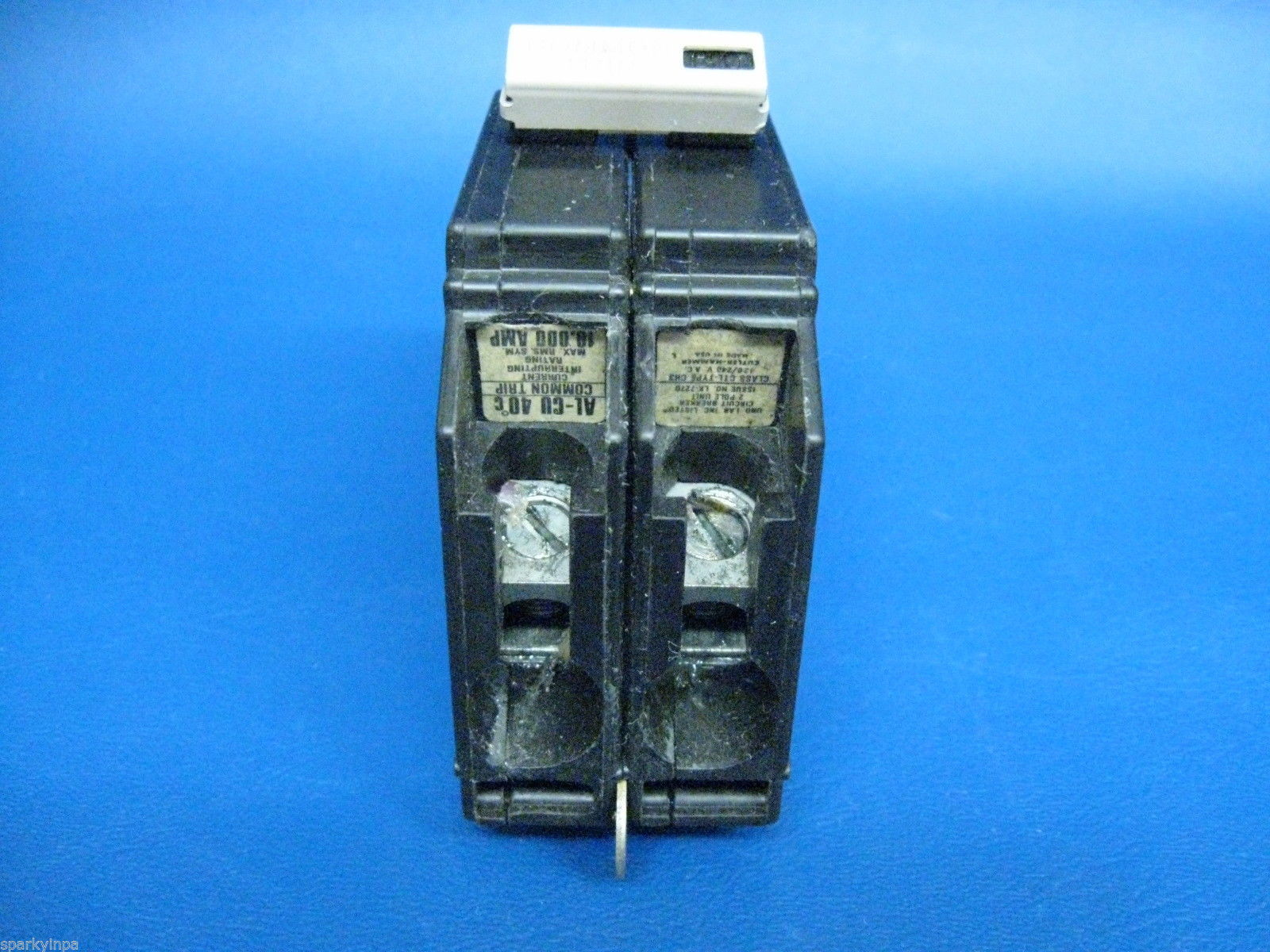 A cutler hammer pole amp circuit breaker ch