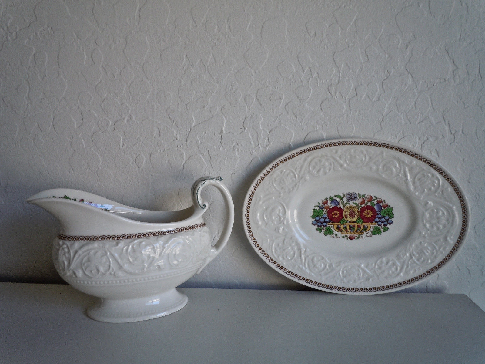 Wedgwood Windermere Multicolor Gravy Boat and Underplate image 5