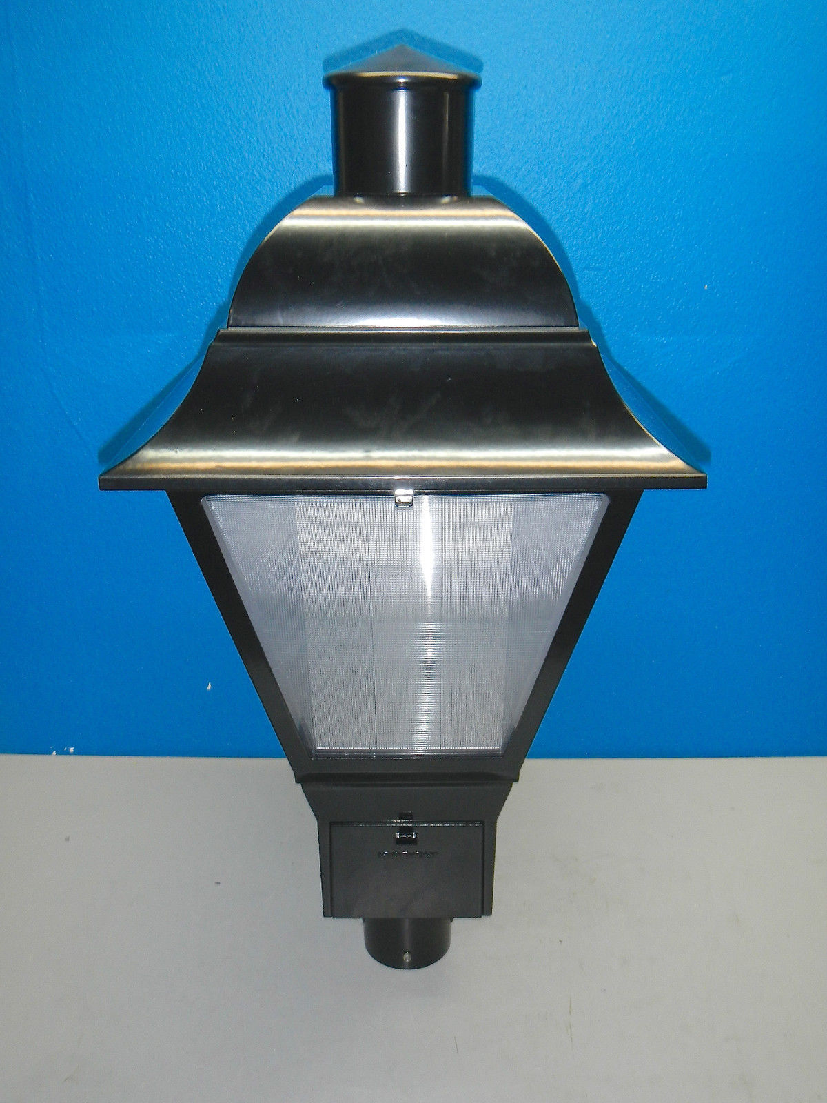 HADCO Colonial 35 Watt HPS Post Top Decorative Light 120V - Light Fixtures
