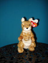 Ty Beanie Beanie Babies Willoughby The Kangaroo Near Mint w/Tags DOB 7/25/04 RET - $9.00