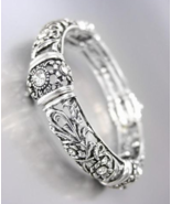 NEW Brighton Bay Antique Silver Filigree CZ Crystals Floral Stretch Bracelet - £19.62 GBP