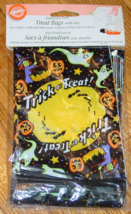 TREAT BAGS WITH TIES HALLOWEEN PARTY TRICK OR TREAT BAGS WILTON NEW SEALED - $2.00
