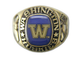 University of Washington  Ring by Balfour - $2.286,89 MXN