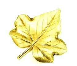 Trifari Maple Leaf Gold Plated Matte Finish Costume Fall Autumn Brooch Pin Used - $38.77