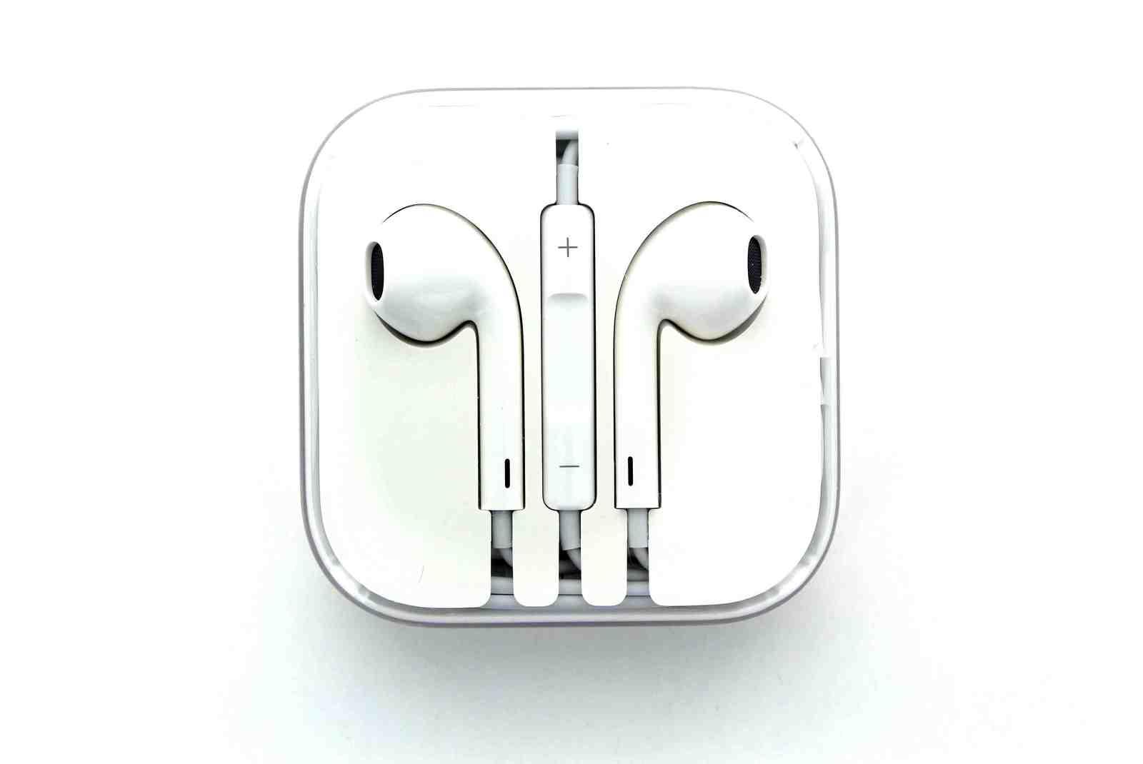 New Genuine Apple iPhone 5/5S EarPods, Earbuds, Earphones ...