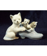 Mother CAT with KITTENS in Shoe Figurine Glazed Porcelain Blue White Jap... - $13.85