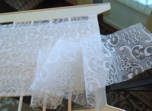 "Primary image for Vintage Lace  1970s Daisy and Vine Pattern- From Germany -5 Yardsx2 3/4"" W #5188"