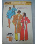 VTG Simplicity Jiffy Mens size 38-40 & Misses Size Medium Robe #5685 1973 - $8.99