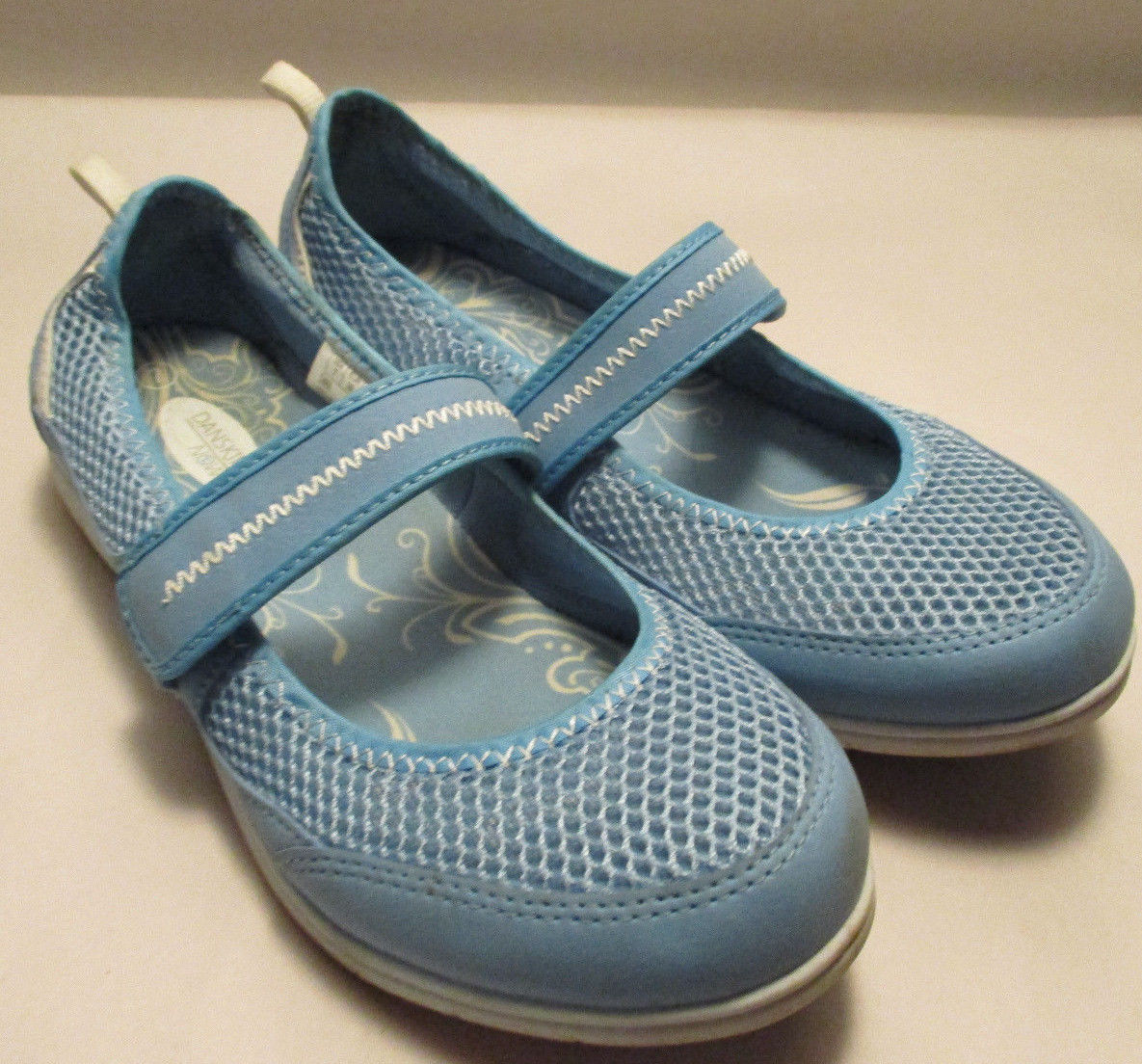 Danskin Now Chaka Womens 7M Light Blue Mary and 20 similar items