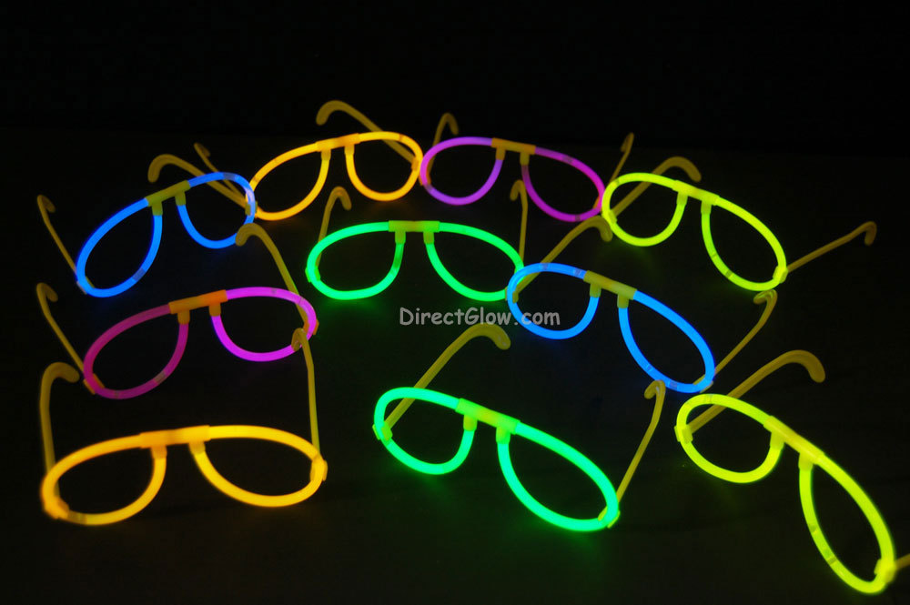 Primary image for Set of 50 Assorted Glow Stick Glasses-100 glow sticks-50 connectors