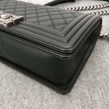 AUTHENTIC BRAND NEW CHANEL 2019 BLACK QUILTED LAMBSKIN MEDIUM BOY FLAP BAG RHW image 7