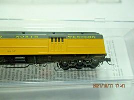 Micro-Trains # 14700430 Chicago & North Western 70' Heavyweight Baggage N-Scale image 3