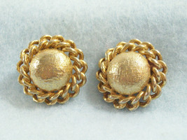 CORO DOMED Brushed Gold Plate Curb Link Chain Trim Clip Earrings Classic... - $18.80