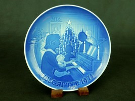 """Bing & Grondahl 6"""" Collector Plate, """"Christmas At Home"""" 1971 Jule-Aften,... - $6.81"""
