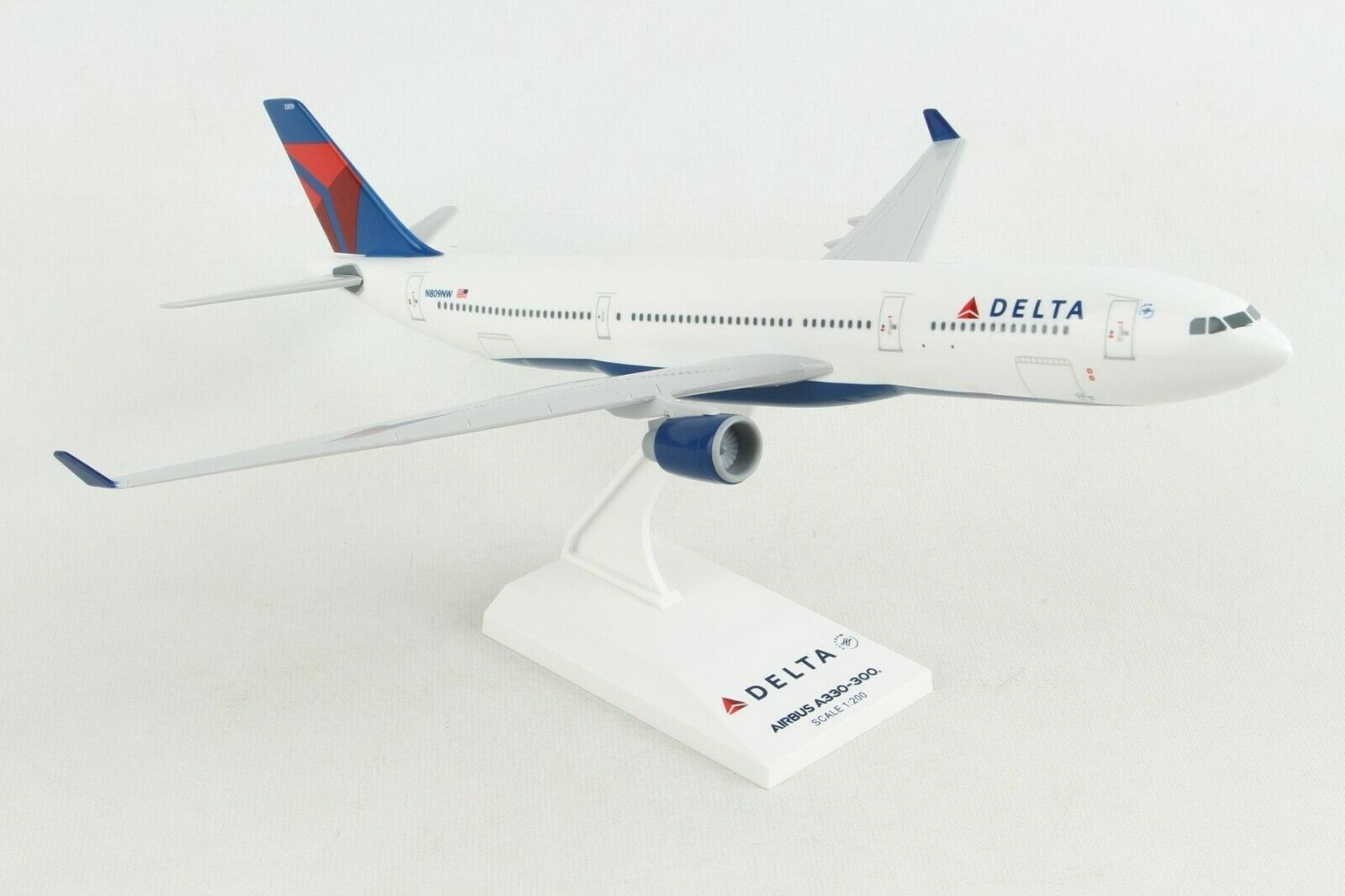 Primary image for Airbus A330 (A330-300) Delta Airlines 1/200 Scale Model by Sky Marks