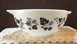 Vintage Pyrex Black Gooseberry Cinderella Mixing Bowl 443 2-1/2 qt. Bowl - $17.00