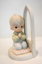 Precious Moments  Worship The Lord   Boy  102229   Boy Kneeling in Prayer - $16.92