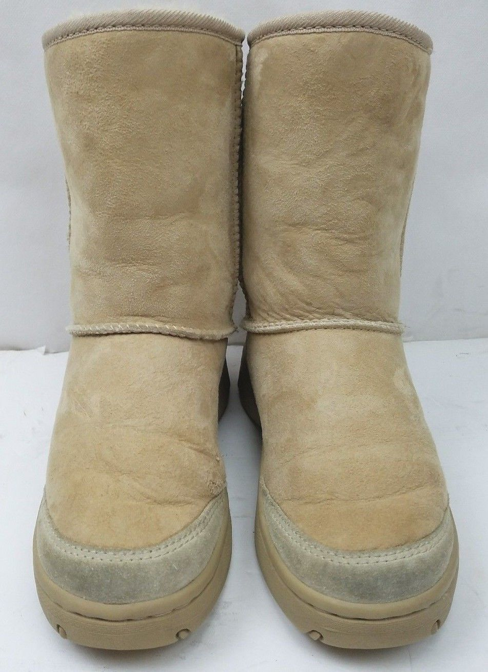 Authentic UGG 5275  Ultimate Short Chestnut Women's Boots Size: 6