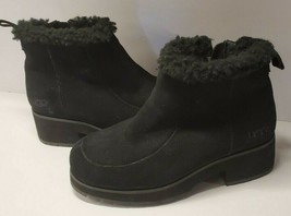 UGG Black Suede Fur Lined Pull On Side Zip Ankle Boots Women's Size 6 - $58.89