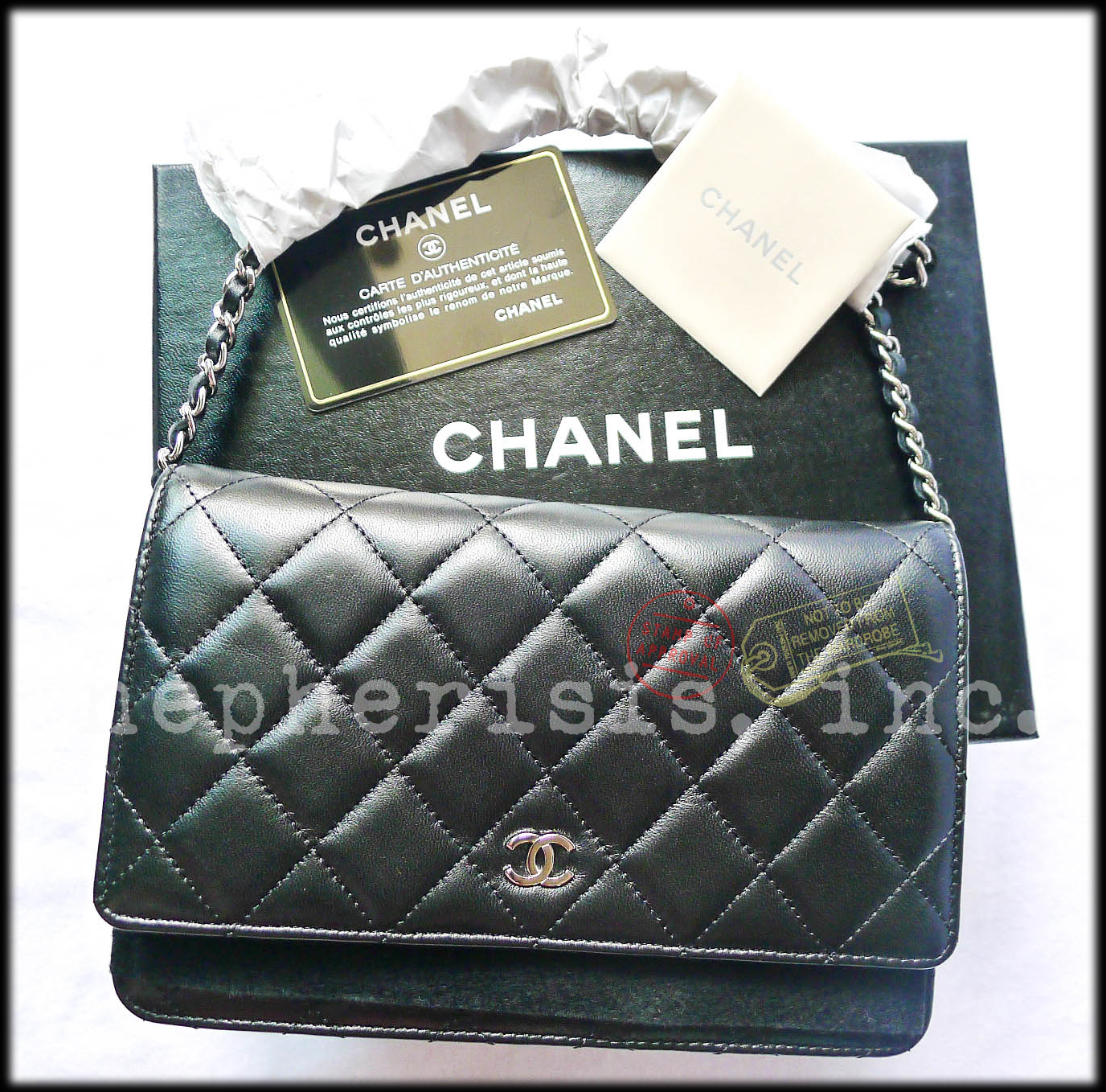 b5549006ffdfc2 Bnib Chanel Classic Quilted Wallet On Chain and 50 similar items