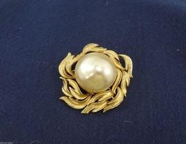 SA Large Pearl Goldtone Pin Brooch Vintage - $33.81