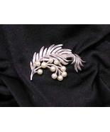 Trifari Silvertone Leaf & Pearls Pin Brooch Vintage - $28.73