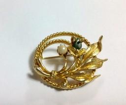 Vtg Sarah Coventry JADE GARDEN Cultured Pearl & Jade Gold Tone Brooch Pin #6642 - $4.94