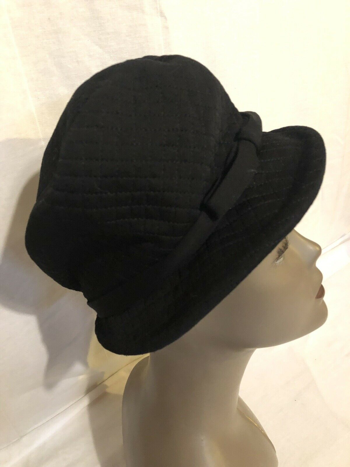 VINTAGE WOMEN'S BLACK QUILTED HAT-BETMAR for LORD & TAYLOR Size 6 1/2-7