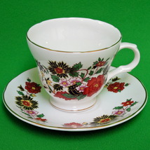 Vintage Crown Trent (England) Fine Bone China Cup And Saucer Set - $7.95