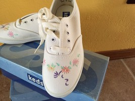 Keds Sneakers Girls Shoes White Canvas Daisy Size 12.5M - $19.45