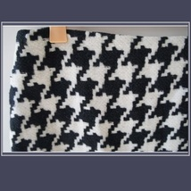 Classic Woven Houndstooth Checkered Black and White Plaid Mini Pencil Skirt image 3