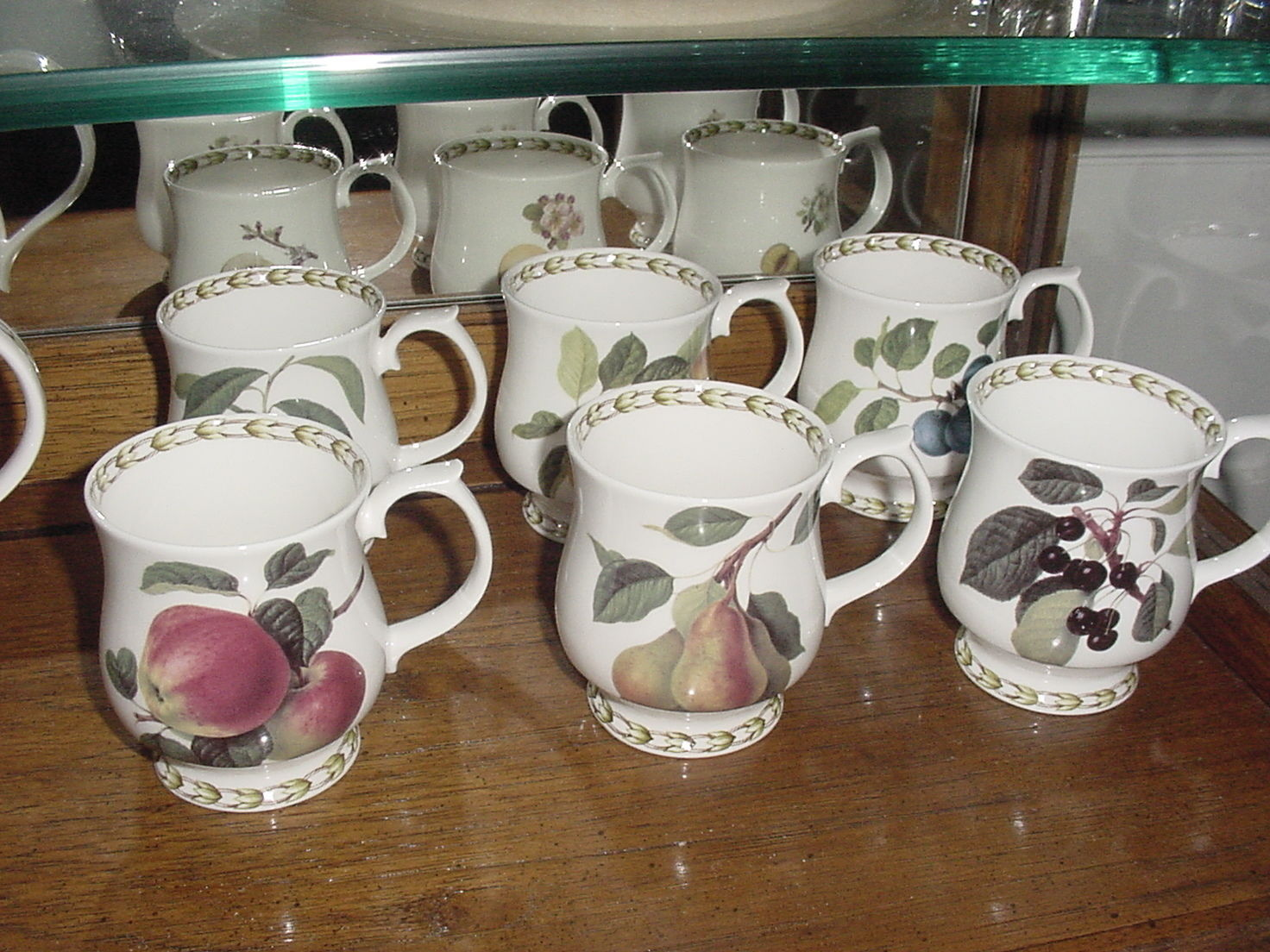 Queen's Collection Hooker's Fruit (England) Teapot and 6 Pedestal Mugs, Vintage/