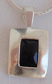 Mini black pendant