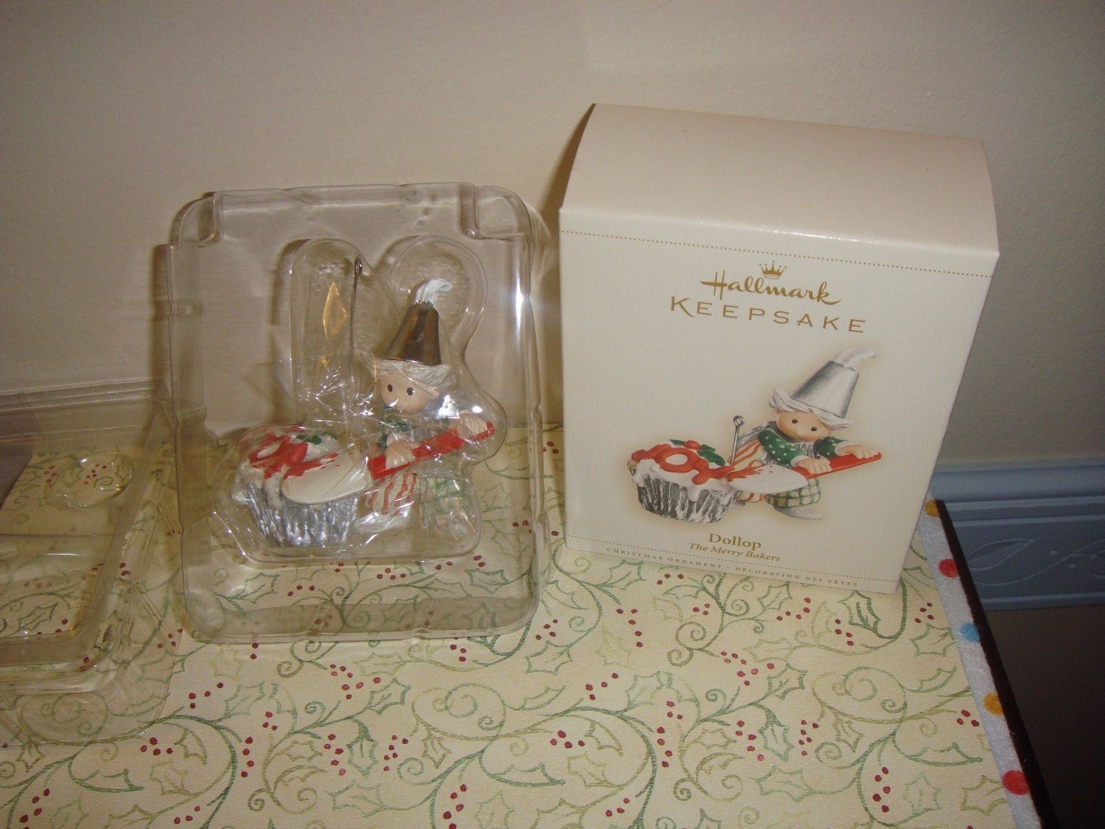 Primary image for Hallmark 2006 The Merry Bakers Dollop Ornament